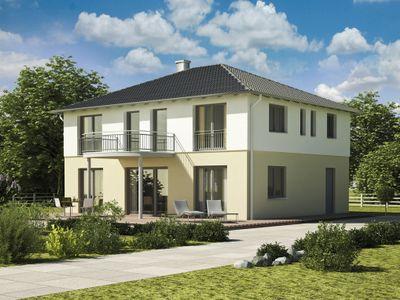 Klassisch massiv fertighaus oder liapor haus for Stadtvilla klassisch